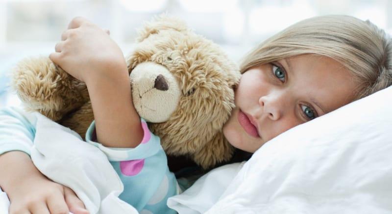 Dores de barriga na criança – sinais de alerta