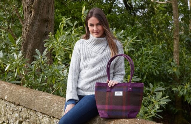 Earth Squared tweed tote bag with check mulberry pattern