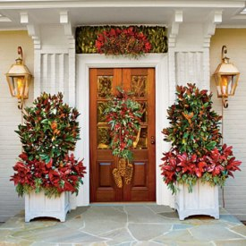 Christmas Decorating Ideas: Accent The Entrance