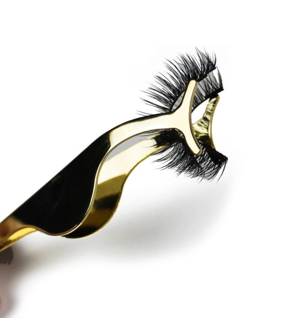 Gold magnetic eyelash application tool
