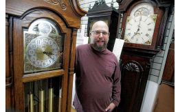 Grandfather Clock Co Mark