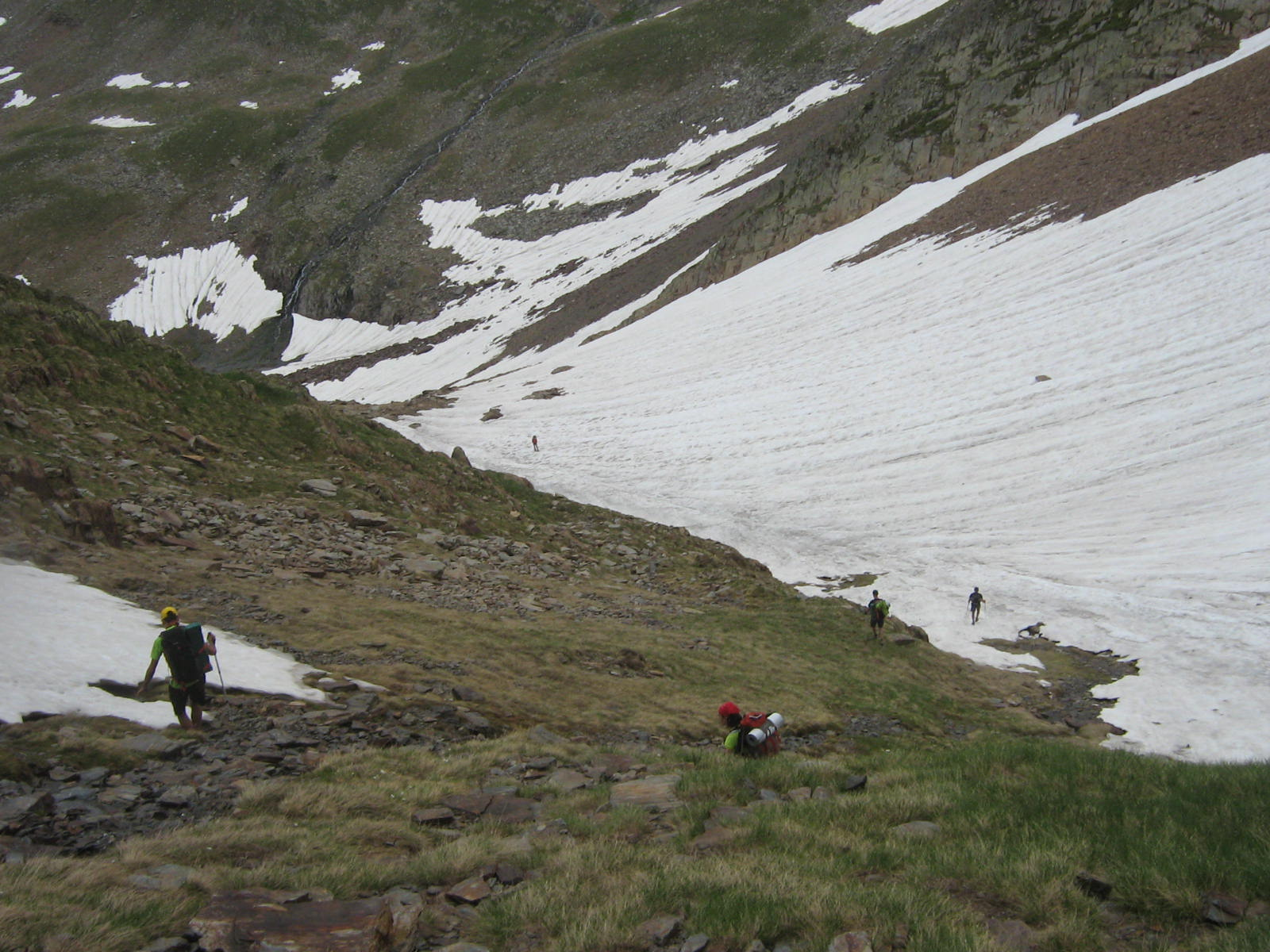 09-06-30 044 Bajada del Coll de Certascan hacia el Refugi de Certascan