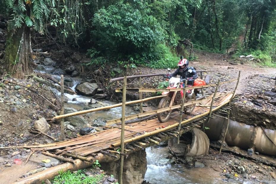 Repérage moto nord Laos - Off Road Laos Adventures