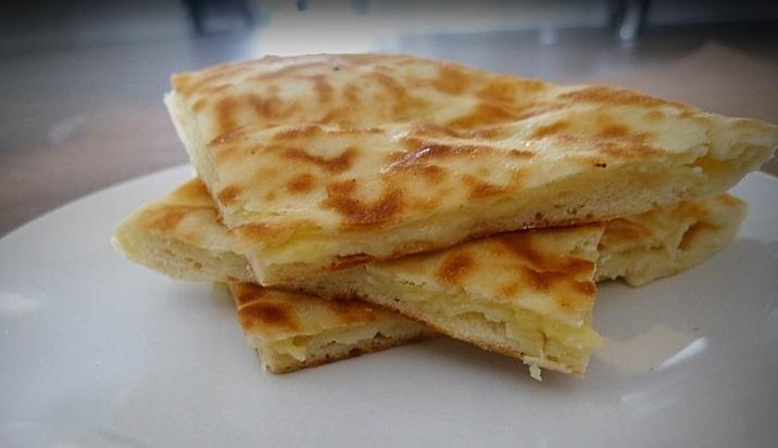 Gastronomie Géorgienne, plat traditionnel de Géorgie : Khatchapuri