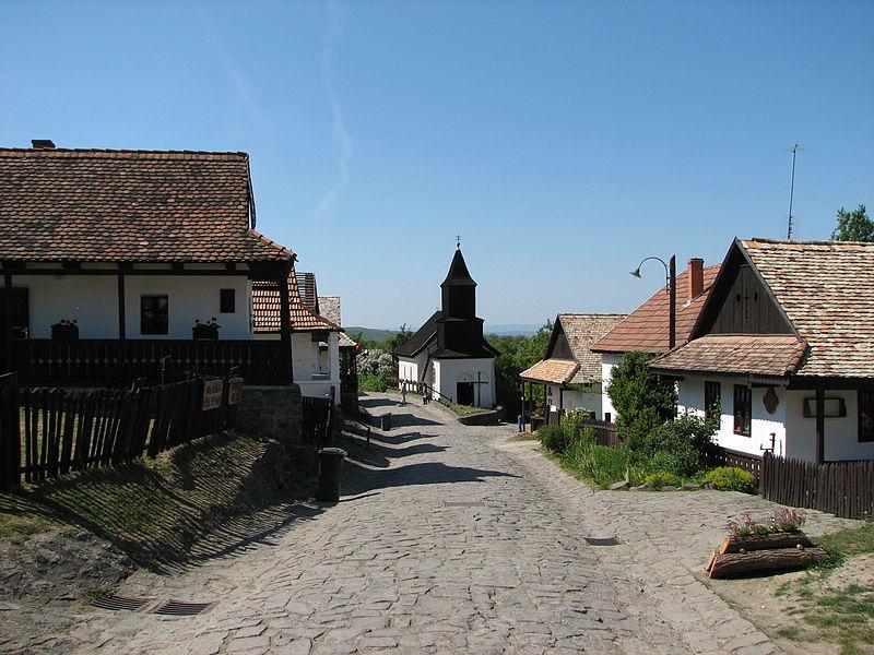 Hollókő - incontournables de Hongrie - URALISTAN