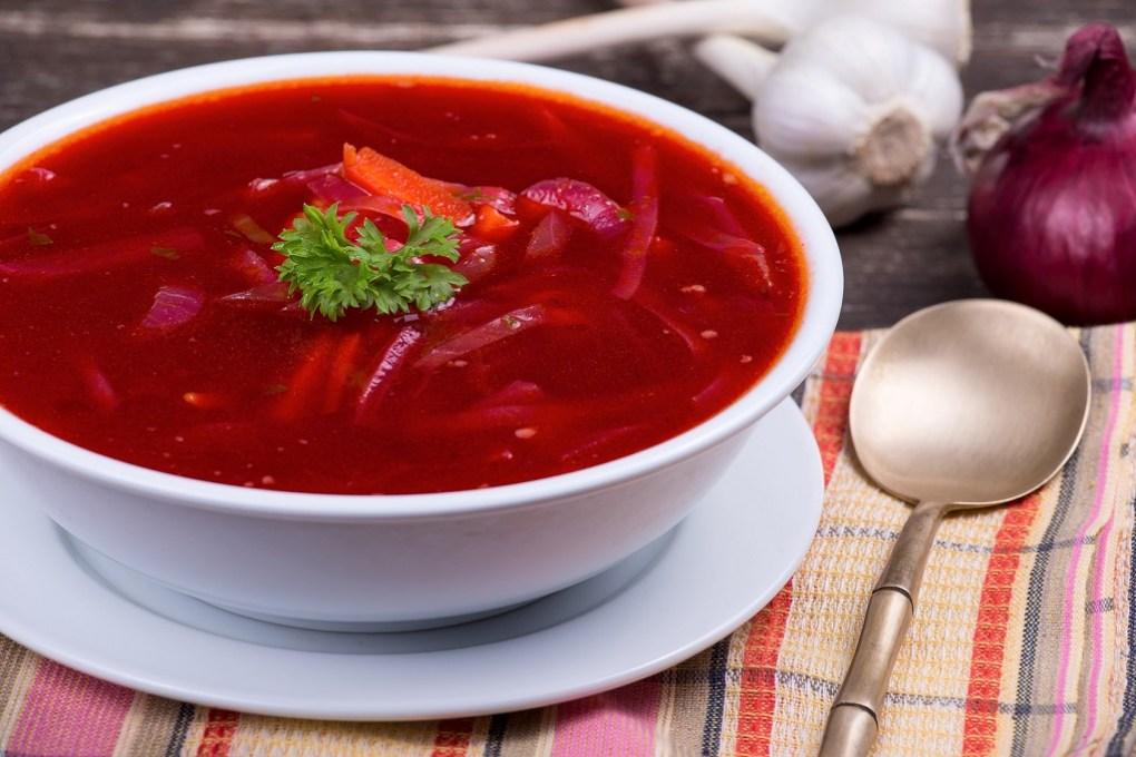 Gastronomie Ukrainienne, plat traditionnel d'Ukraine : bortsch
