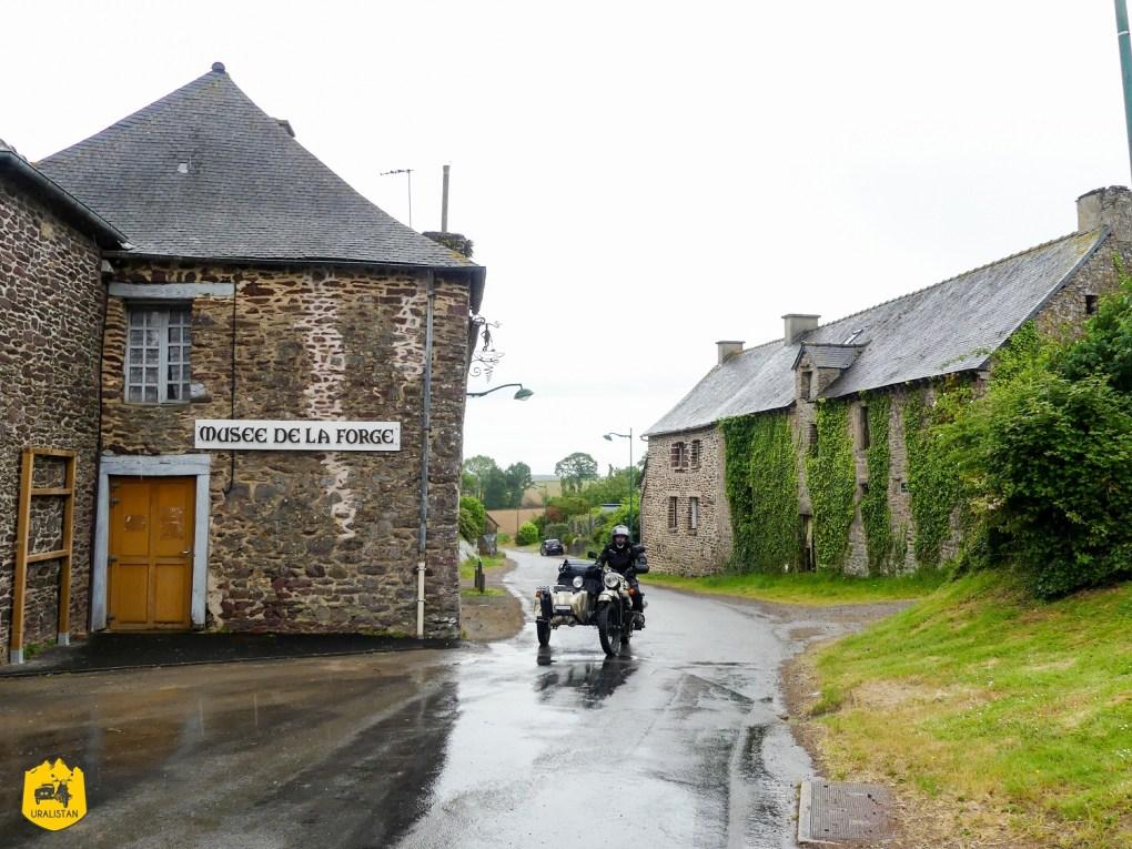 Balade moto en Bretagne - URALISTAN