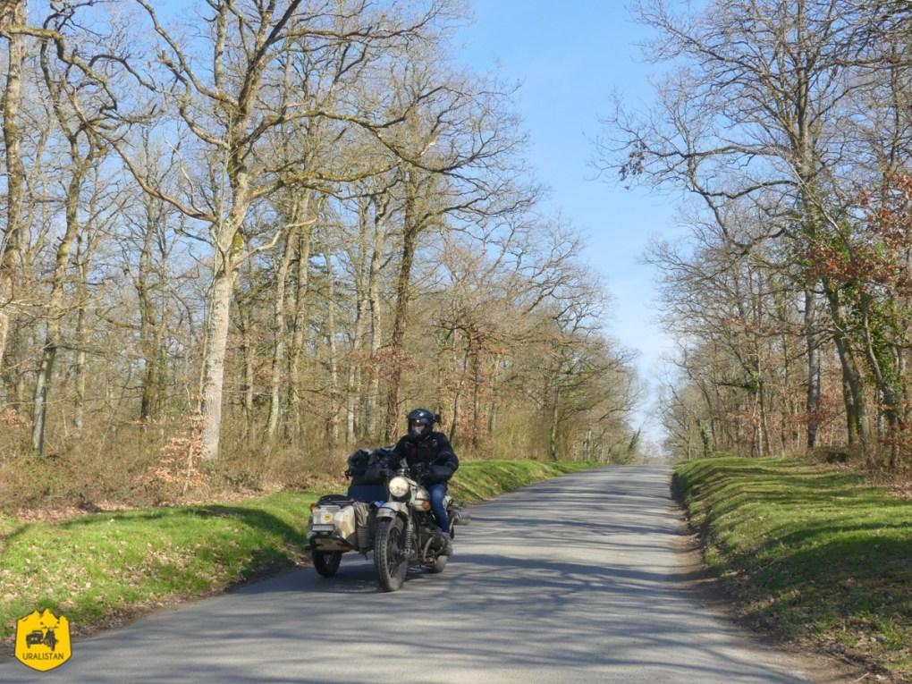 Forêt de Grimbosq, Road trip moto en Suisses Normande - URALISTAN