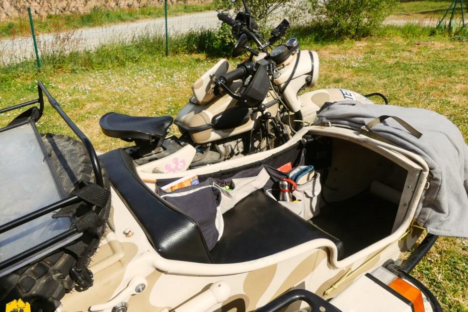 Vide-poche latéral, rangement dans le panier du side-car - URALISTAN