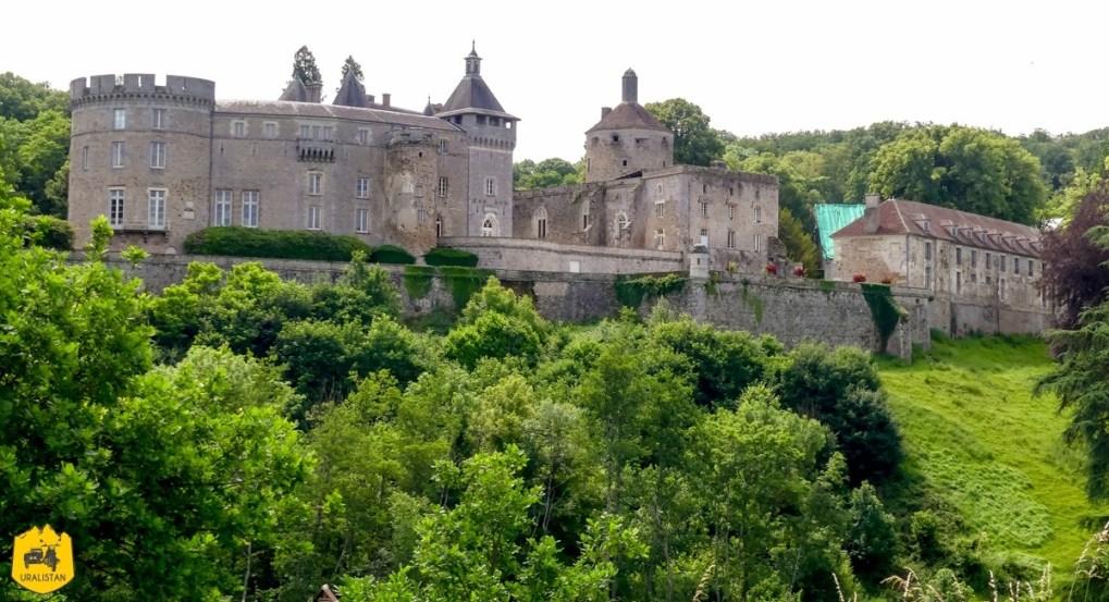 Château de Chastellux - Voyage moto dans le Morvan - URALISTAN