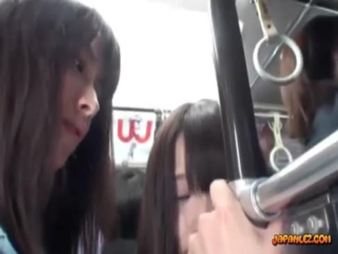 rezuお姉さんが制服美少女をチカンレイプしている無臭生動画像