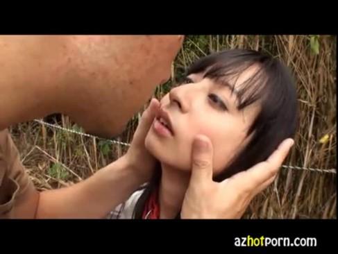 ハーフ顔の美女と野外セックスする無臭生動画像無料