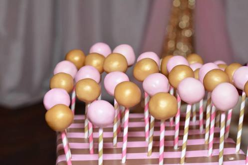 shortcakes-cake-pops