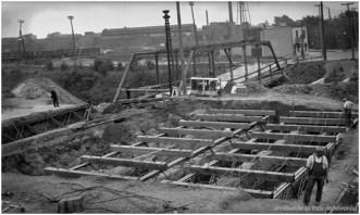 Modernisation du Canal de Lachine en 1910. Archives de la Ville de Montréal, VM098-Y_05P074-09