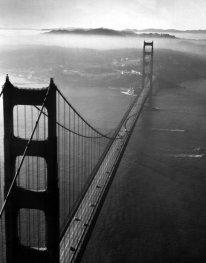 Golden Gate Bridge, photographié d'hélicoptère, 1952