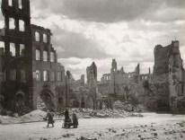 Margaret Bourke-White, villes dévastées en 1945