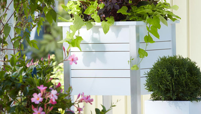 raised-planter-on-porch-101973642