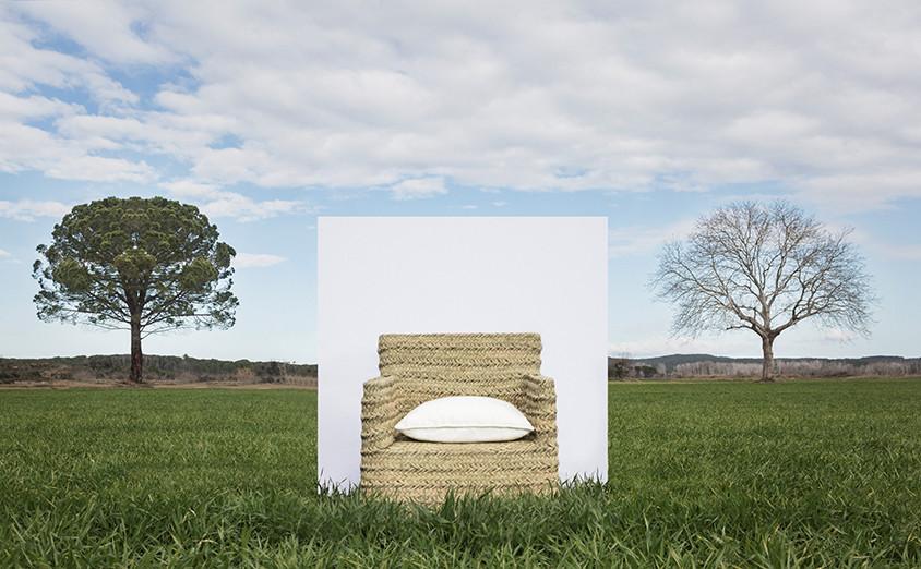 Da marca espanhola de inspiração mediterrânica Let's Pause, cadeira 'Turqueta', em esparto, entre 195€ (46x63x80) e 320€ (70x65x85), www.letspause.es