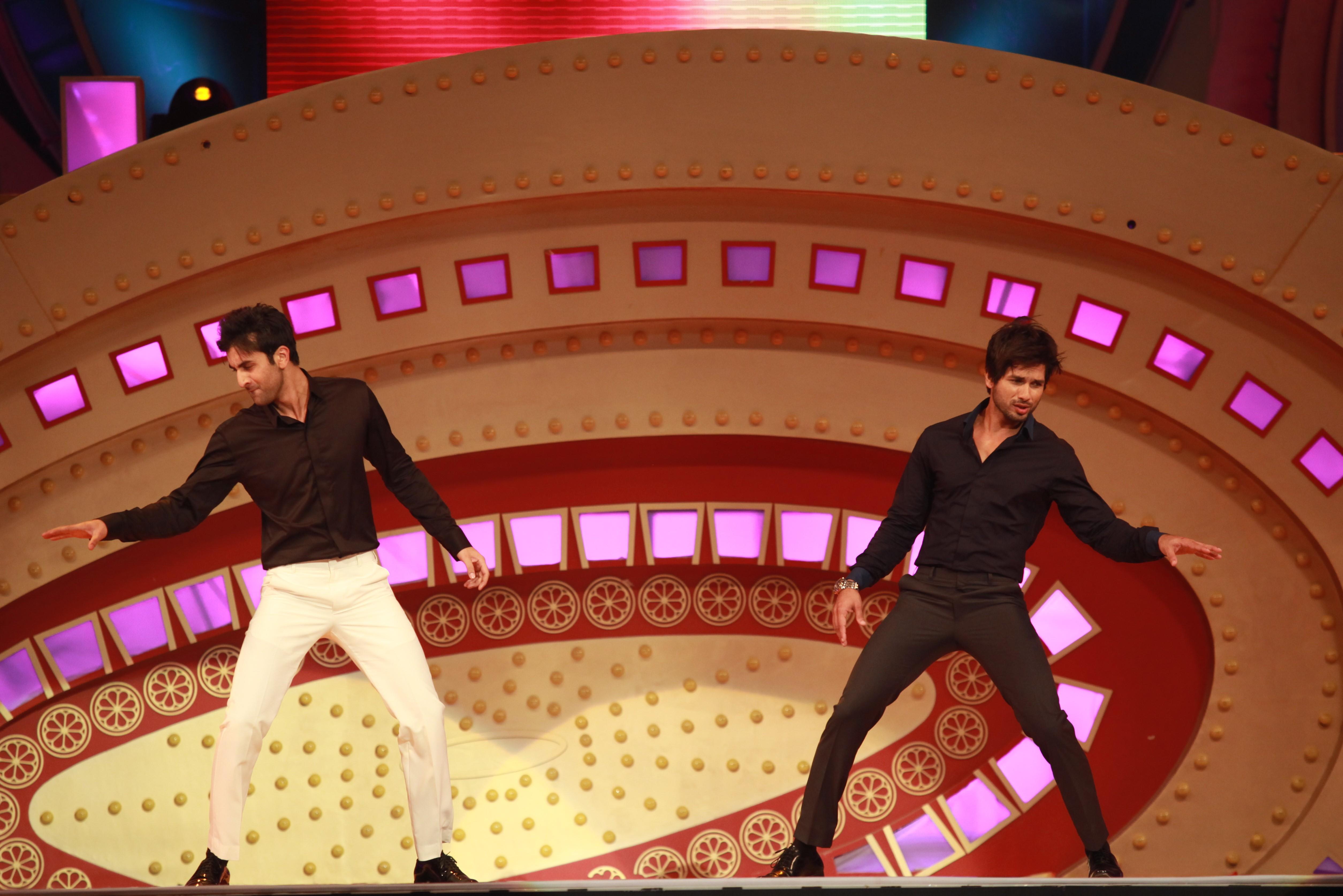 Shahid & Ranbir tribute to Dev Anand & Shammi Kapoor