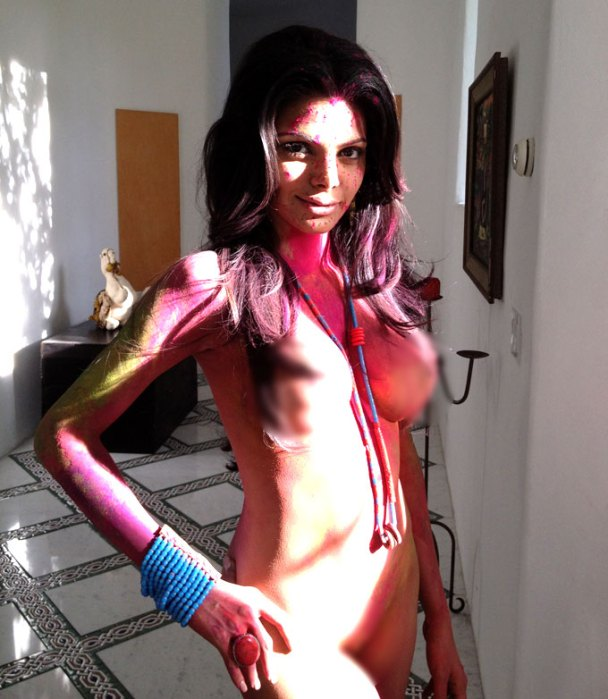 Sherlyn Chopra's ready to shoot!