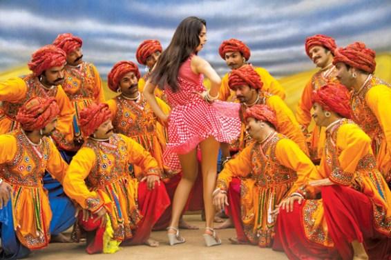Kismat Love Paisa Dilli (10)