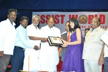 Wild Blossoms Receiving 2 World Record Certificates from CM of Pondicherry on 15th Oct 2012.