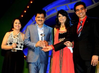 Madhushri, Udit Naryan, Sunita and Niraj Dube.