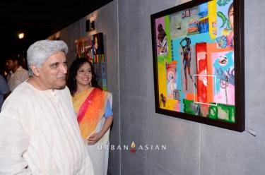 130613_191814Javed Akhtar With Sangeeta Babani Painting Exhibition