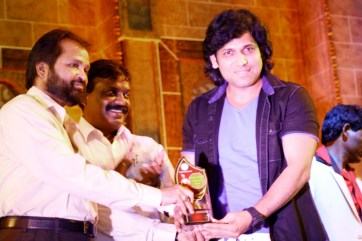 Rajan Verma Recieving award1