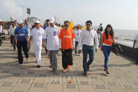 130921_163132Minister of state for housing Sachin Ahir Dr. Huzaifa khorakiwala Aankit Narayan With Reshma D'souza At Peace Walk