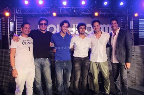 DJ Llyod Talat Aziz Salim Sonu Nigam And Sulaiman At Party