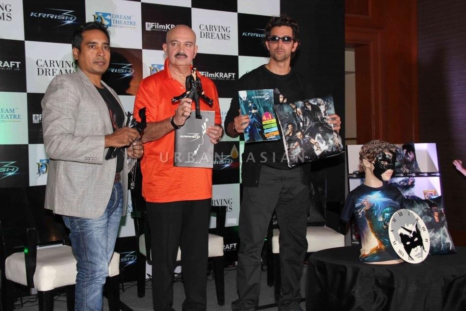 Hrithik Roshan unveils Krrish 3 merchandize!