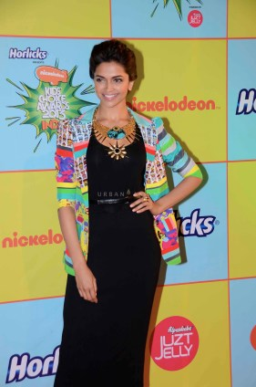 Deepika Padukone at Kids Choice Award1