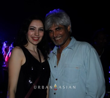131206_092928Sarah With Harindra Singh At Party