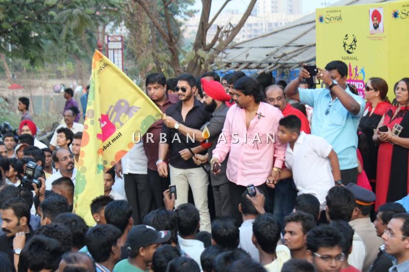 Shreyas Talpade Flag-off the Harley Davidson bike Rally With Charan Singh Sapra2