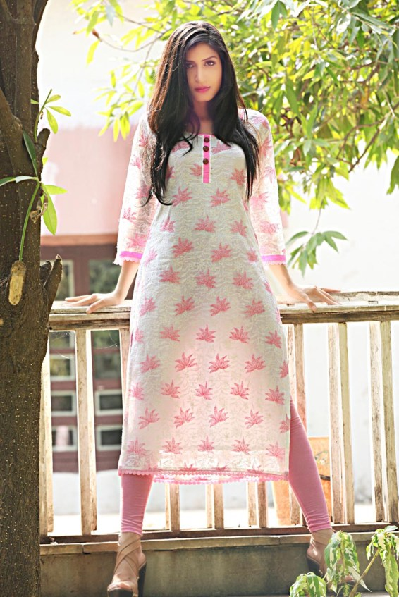 Divya Chouksey shot for designer Umair Zafar's Chikankari Collection (1)