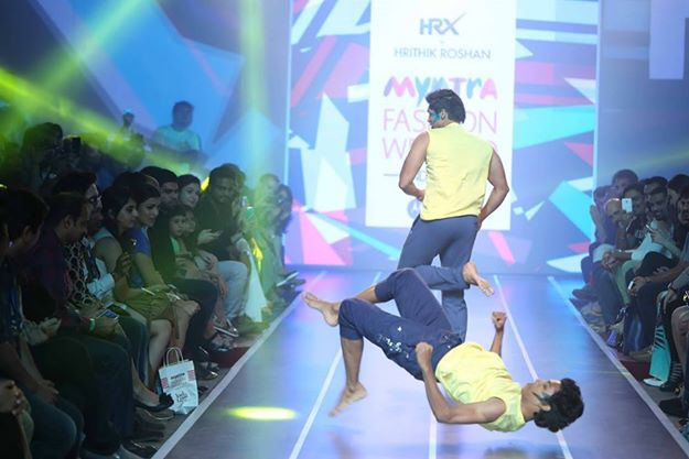 Sandip Soparrkar troups performing at Myntra fashion show1