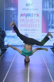 Sandip Soparrkar troups performing at Myntra fashion show2