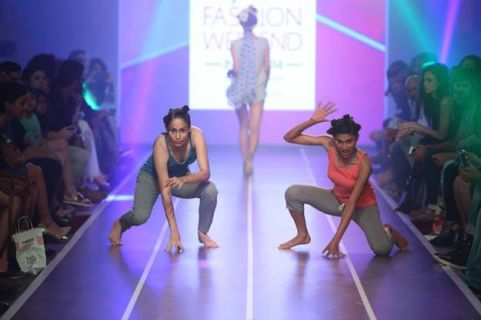 Sandip Soparrkar troups performing at Myntra fashion show3