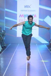 Sandip Soparrkar troups performing at Myntra fashion show5