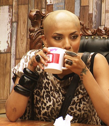 Diandra Soares goes bald in Bigg Boss. - Pic 2