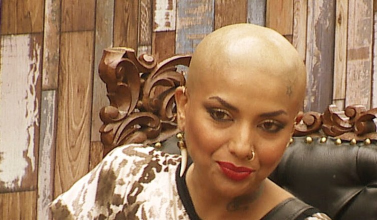 Diandra Soares goes bald in Bigg Boss. - Pic 3