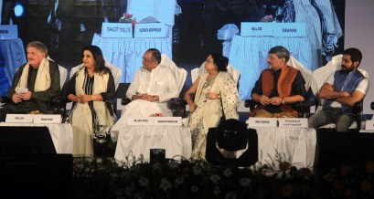 GUEST OF HONOUR DIRECTOR FARAH KHAN AT THE CLOSING CEREMONY OF KIFF (1)