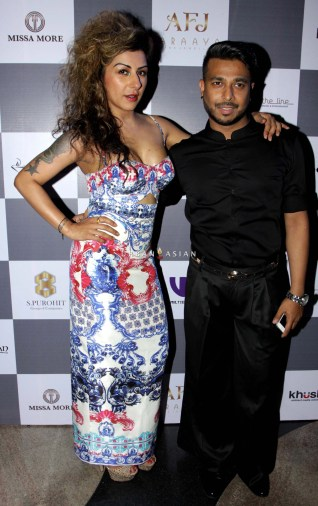 hard kaur & ken ferns
