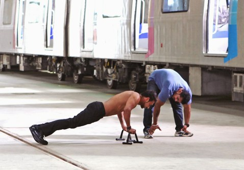 Ajay Devgn training on the sets (2)