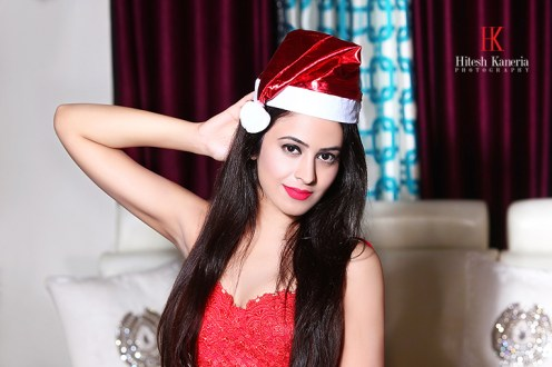 Shobhita Rana Sexy Santa,