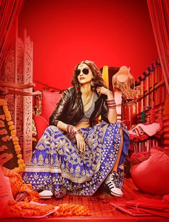 Sonam Kapoor in Dolly Ki Doli (2)