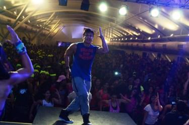 Beto Perez on stage (1)