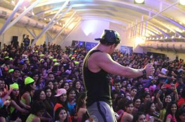 Beto Perez on stage (4)