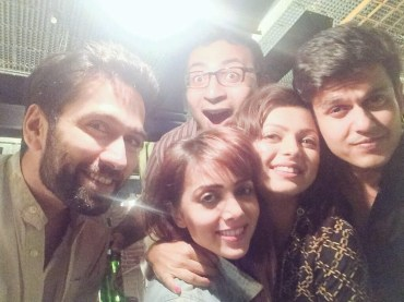 Drashti with friends and fiance, Neeraj